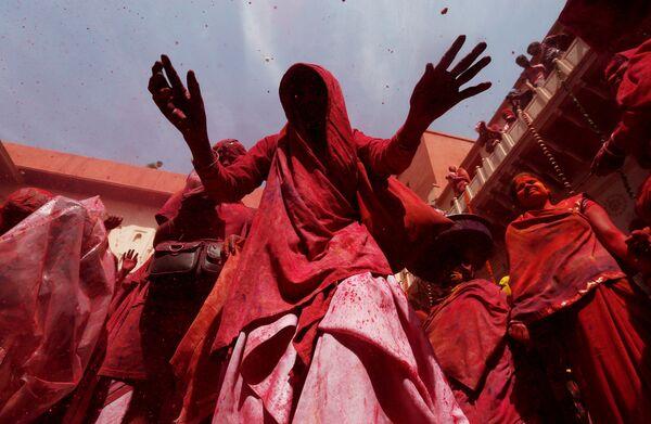 Фестиваль красок Холи в Вриндаване