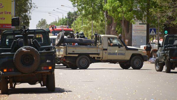 На месте теракта в столице Буркина-Фасо Уагадугу. 2 марта 2018