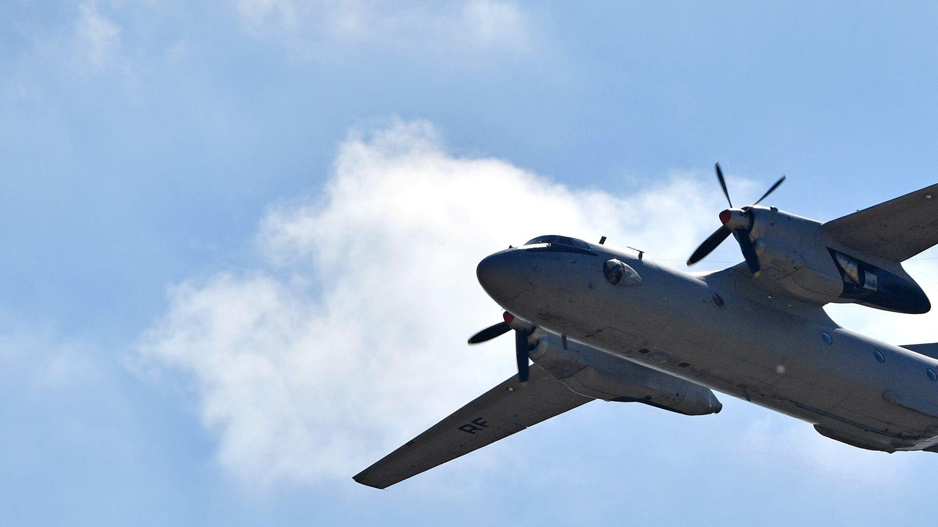 Военно-транспортный самолет Ан-26 - РИА Новости, 1920, 06.07.2021