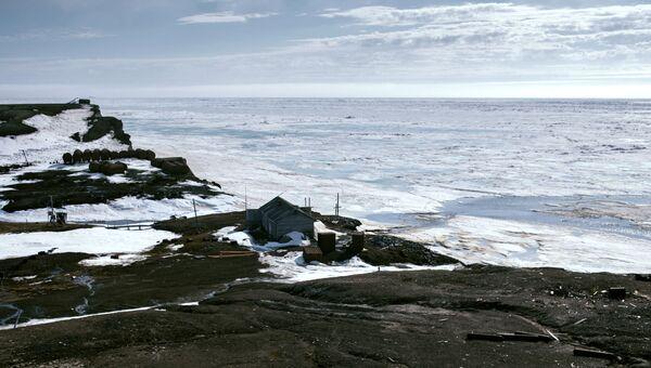 Бывшая полярная станция Остров Уединение в Карском море