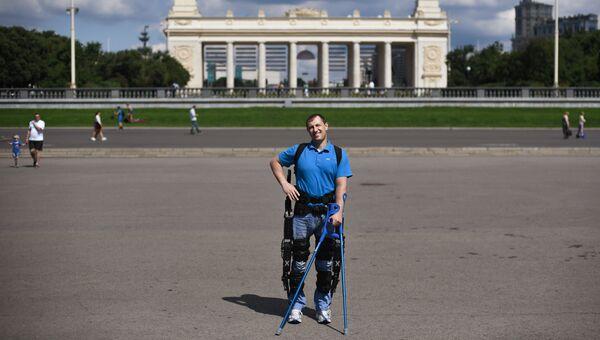 Виталий Данилов установил рекорд по ходьбе без остановки в «ЭкзоАтлете».