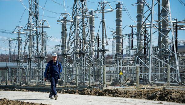 Инженер на месте строительства Таврической (Симферопольской) ТЭС в Крыму. Архивное фото