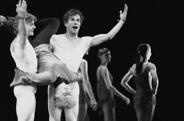 Михаил Барышников, Гвен Вердон и Рудольф Нуреев во время подготовки танцевальной компании Пола Тэйлора