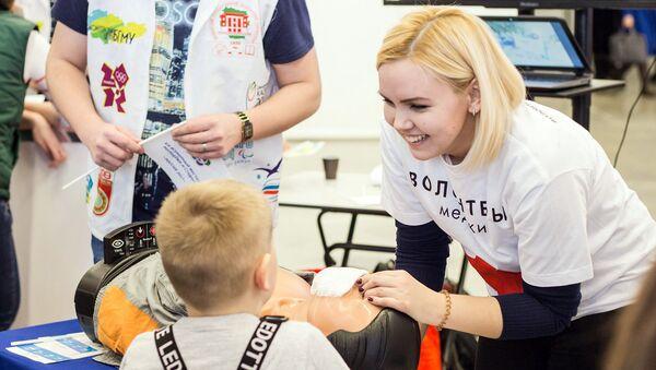Для многих молодых волонтеров, которые решили связать свою профессиональную деятельность с медициной, такой опыт может стать хорошей проверкой на прочность