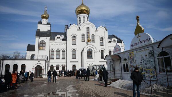 Храм Святой Троицы в Кемерово, в котором прошла панихида в память о жертвах пожара в торгово-развлекательном центре «Зимняя вишня»
