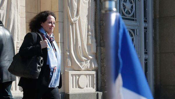 Посол Франции в РФ Сильви Берманн у здания МИД РФ. 30 марта 2018