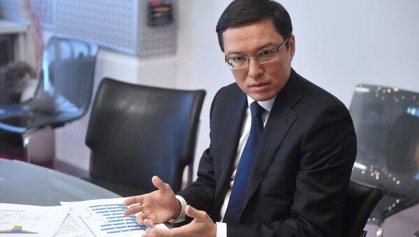 Председатель Национального банка Республики Казахстан Данияр Акишев во время интервью в Москве. 30 марта 2018