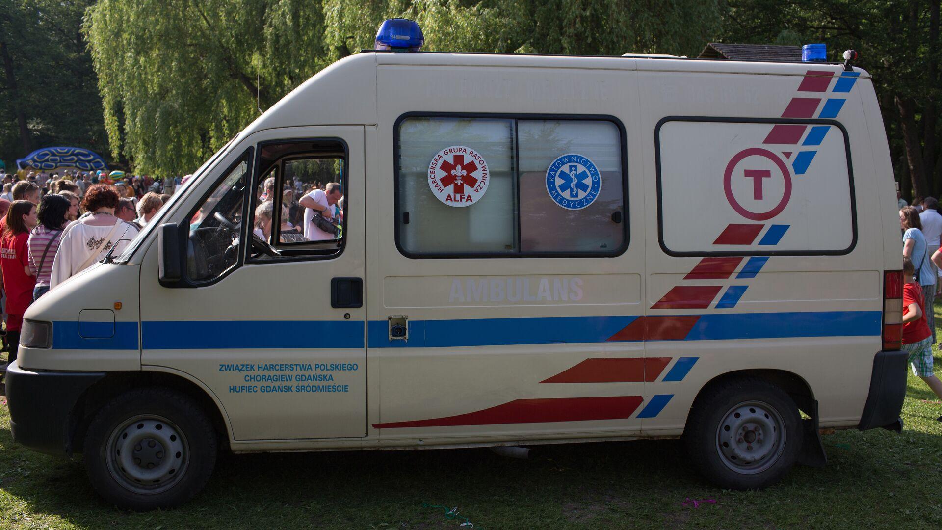 Машина скорой помощи в Польше - РИА Новости, 1920, 24.07.2021