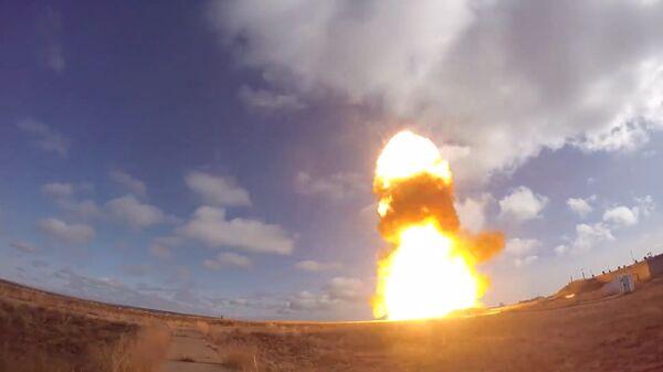 Испытательный пуск новой модернизированной ракеты российской системы ПРО
