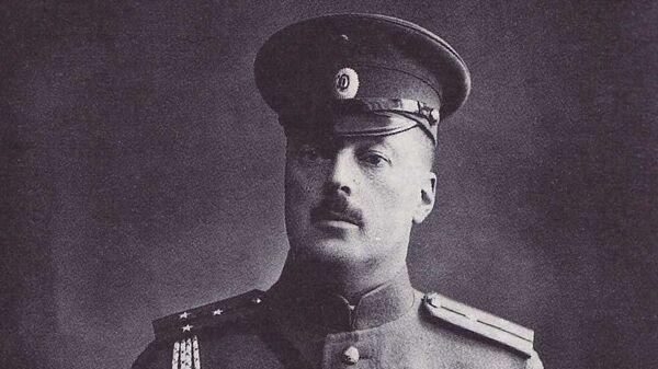 Набоков Владимир Дмитриевич в форме поручика Русской Императорской Армии. 9 января 1914 года