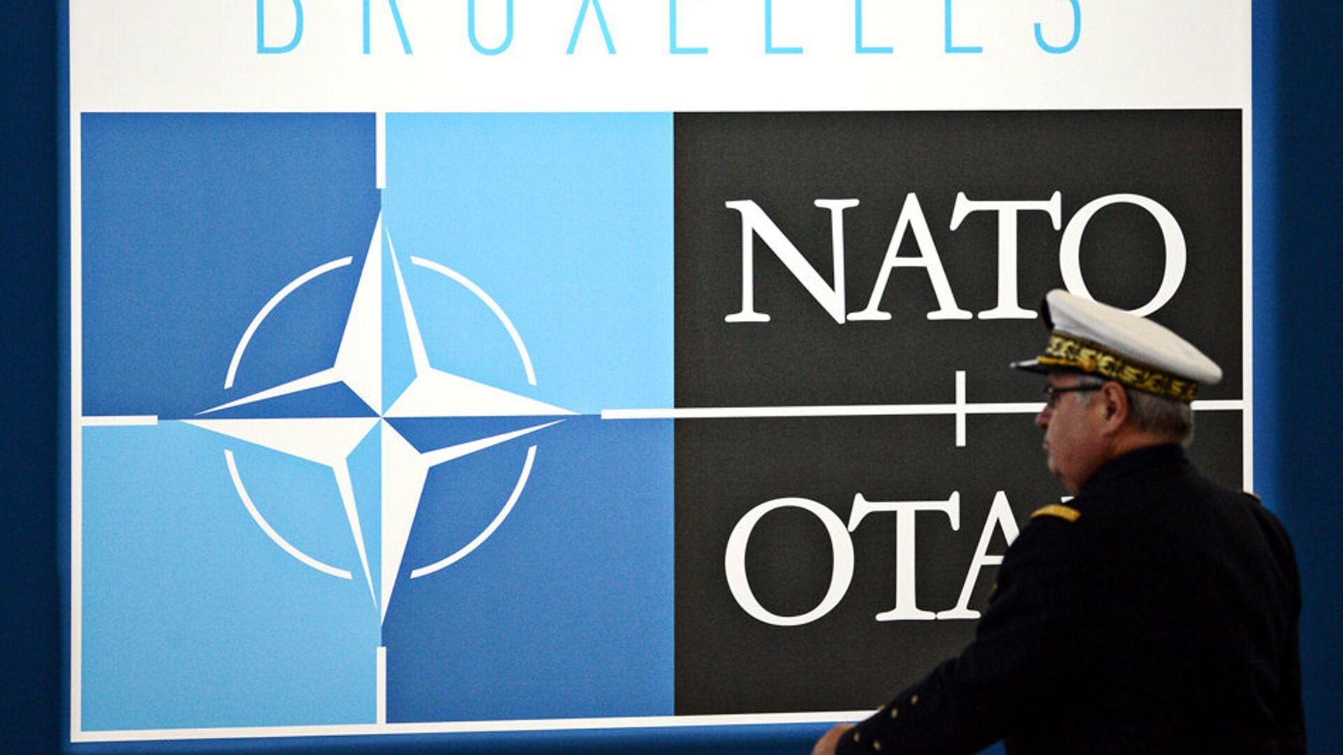 Логотип НАТО в Брюсселе - РИА Новости, 1920, 07.03.2021