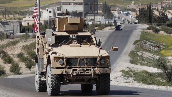 Американская военная техника на севере Сирии. 4 апреля 2018