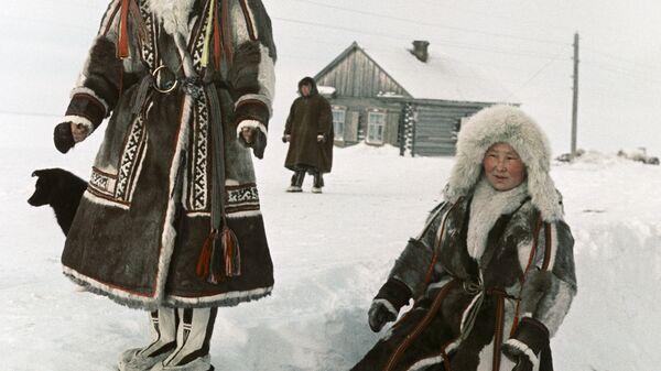 Жители Панаевска на прогулке