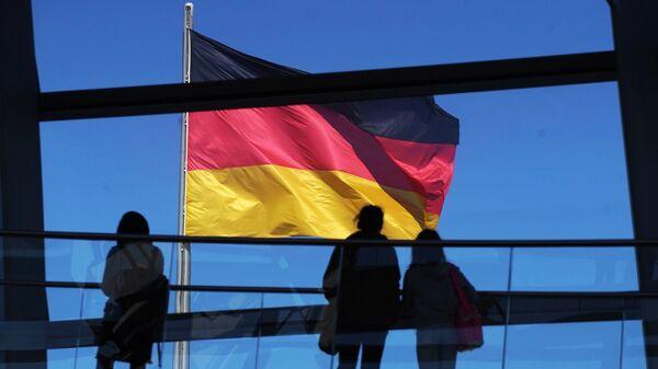 Флаг Германии на здании рейхстага