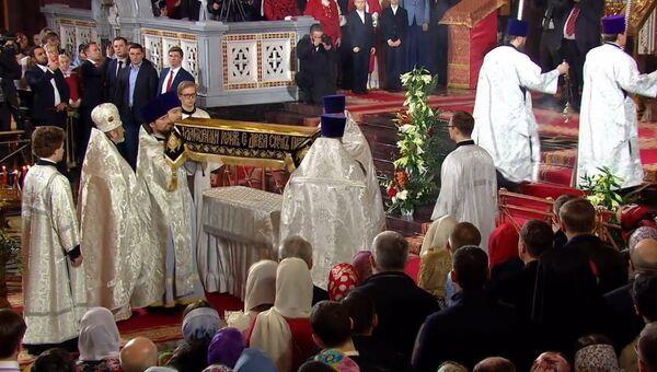 LIVE: Праздничное пасхальное богослужение в храме Христа Спасителя в Москве