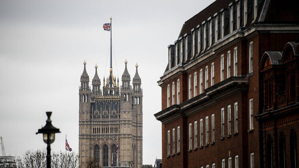 Британский парламент проголосовал за отсрочку Brexit