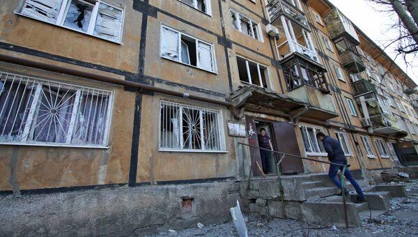 Последствия ночного обстрела Куйбышевского района в Донецке. 11 апреля 2018