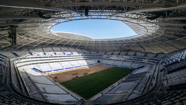 Укладка газонного покрытия на стадионе ЧМ-2018 Самара-Арена в Самаре