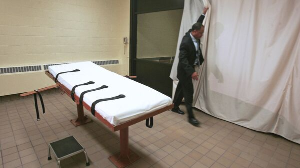 Комната, где приводится в исполнение смертный приговор через смертельную инъекцию, в тюрьме в США