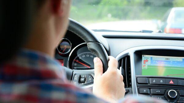 Водитель автомобиля. Архивное фото