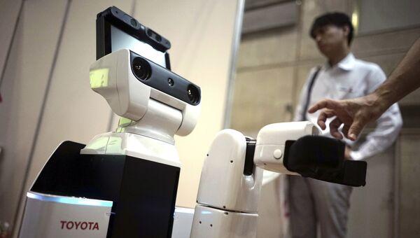Робот HSR
