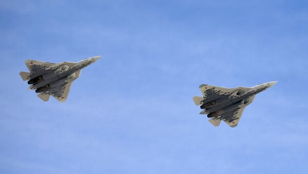 Многофункциональные истребители пятого поколения Су-57 на военном параде, посвященном 73-й годовщине Победы в ВОВ