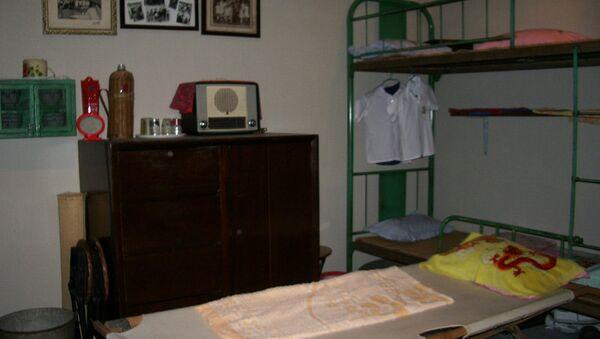 Три спальных места на крошечную квартирку в Гонконге