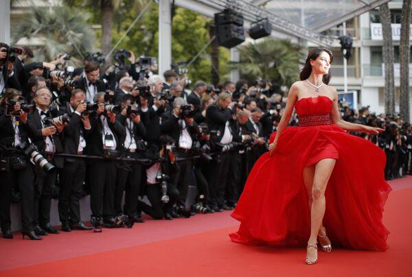 Румынская актриса Катринель Менгия на красной дорожке 71-го Каннского международного кинофестиваля
