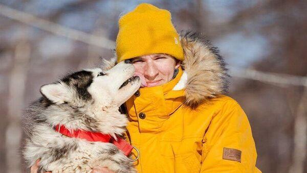 Каюр Алексей с собакой породы хаски
