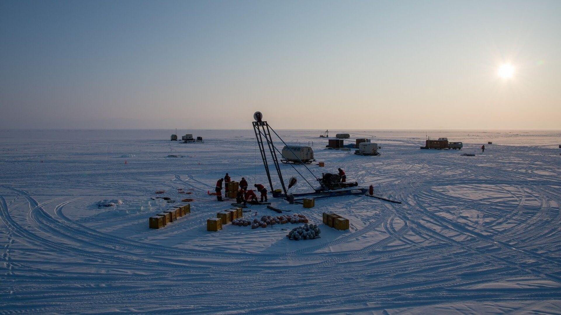 На Байкале запустят уникальный глубоководный нейтринный телескоп
