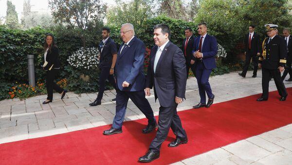 Президент Парагвая Орасио Картес и президент Израиля Реувен Ривлин перед церемонией открытия посольства Парагвая в Иерусалиме. 21 мая 2018