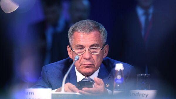 Президент Республики Татарстан Рустам Минниханов на Петербургском международном экономическом форуме. 24 мая 2018
