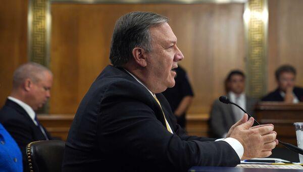 Госсекретарь США Майк Помпео на слушаниях в международном комитете сената. 24 мая 2018