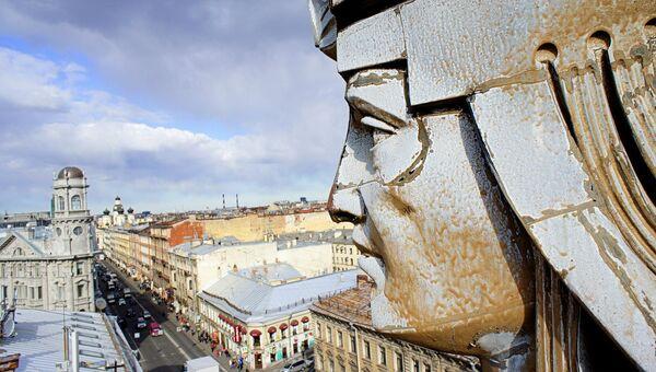 Крыша дома с фуриями, Санкт-Петербург