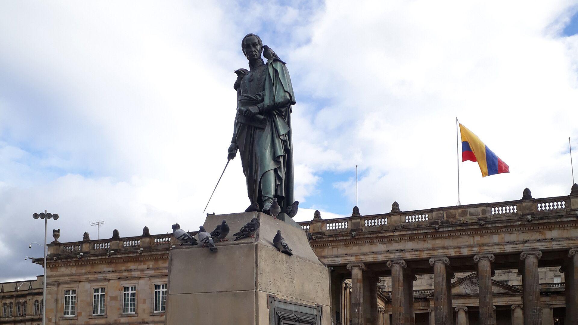 Памятник Симону Боливару на центральной площади Боготы, Колумбия - РИА Новости, 1920, 13.06.2021