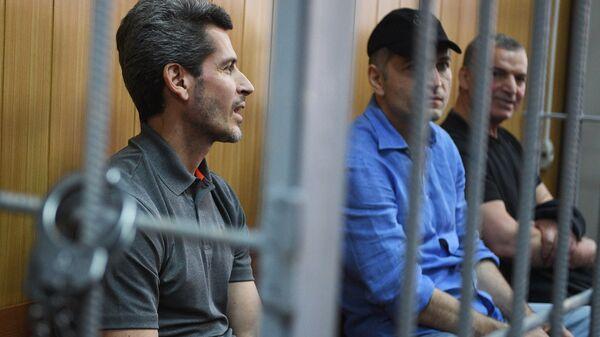 Братья Зиявудин и Магомед Магомедовы в Тверском суде Москвы.
