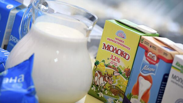 Соя, овес и миндаль: что и зачем пьют вместо молока сегодня