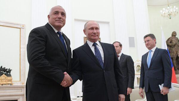 Президент РФ Владимир Путин и премьер-министр Болгарии Бойко Борисов во время встречи. 30 мая 2018