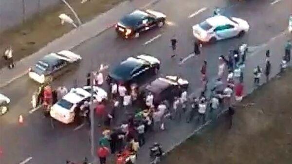 Машина из кортежа Петра Порошенко на пешеходном переходе сбила 13-летнего велосипедиста. 31 мая 2018