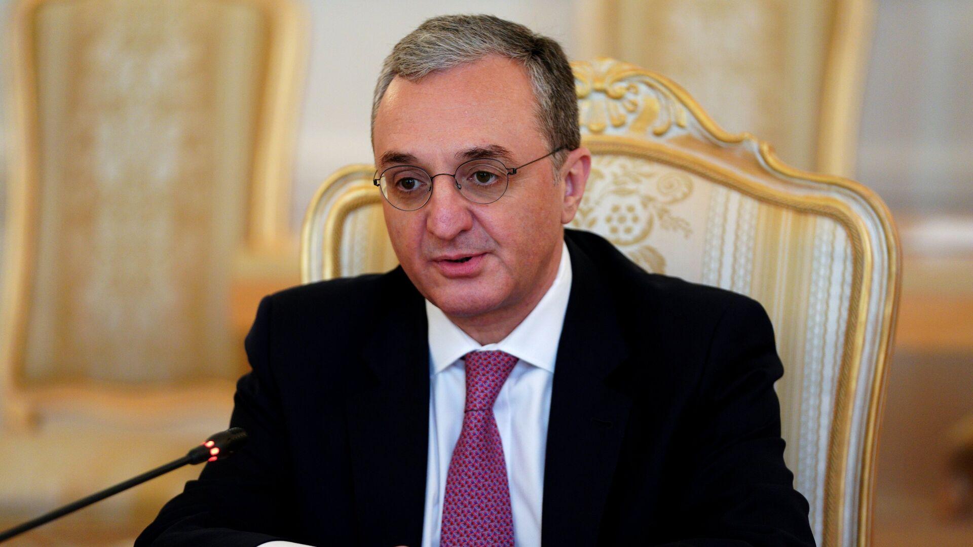 Глава МИД Армении приехал в Москву