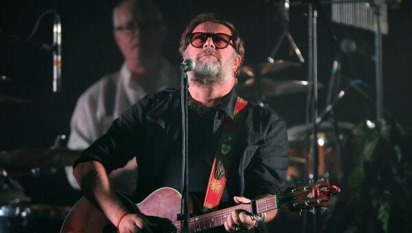 Музыкант, лидер группы Аквариум Борис Гребенщиков на концерте. Архивное фото