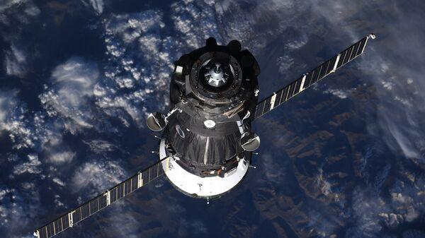 Корабль Союз МС-09 c членами экипажа МКС-56/57