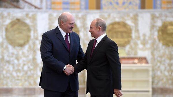 Президент РФ Владимир Путин и президент Белоруссии Александр Лукашенко. Архивное фото