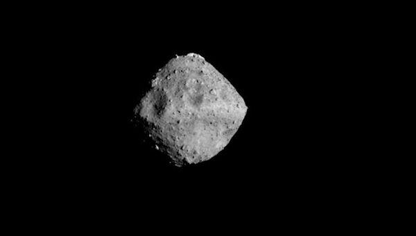 Астероид Рюгю и необычная гора на его поверхности