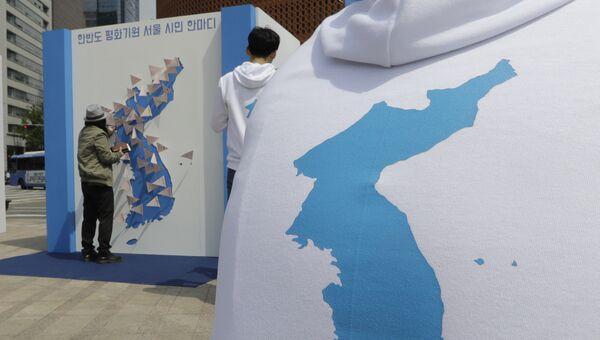 Изображение карты Корейского полуострова. Архивное фото