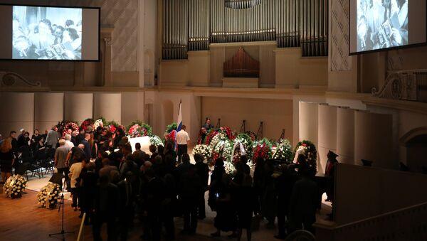 Церемония прощания с поэтом Андреем Дементьевым. 29 июня 2018