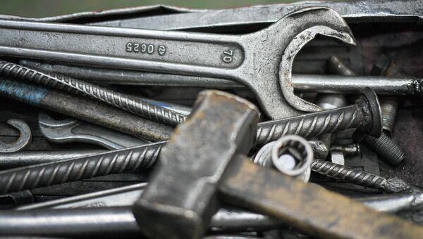 Инструменты железнодорожника. Архивное фото