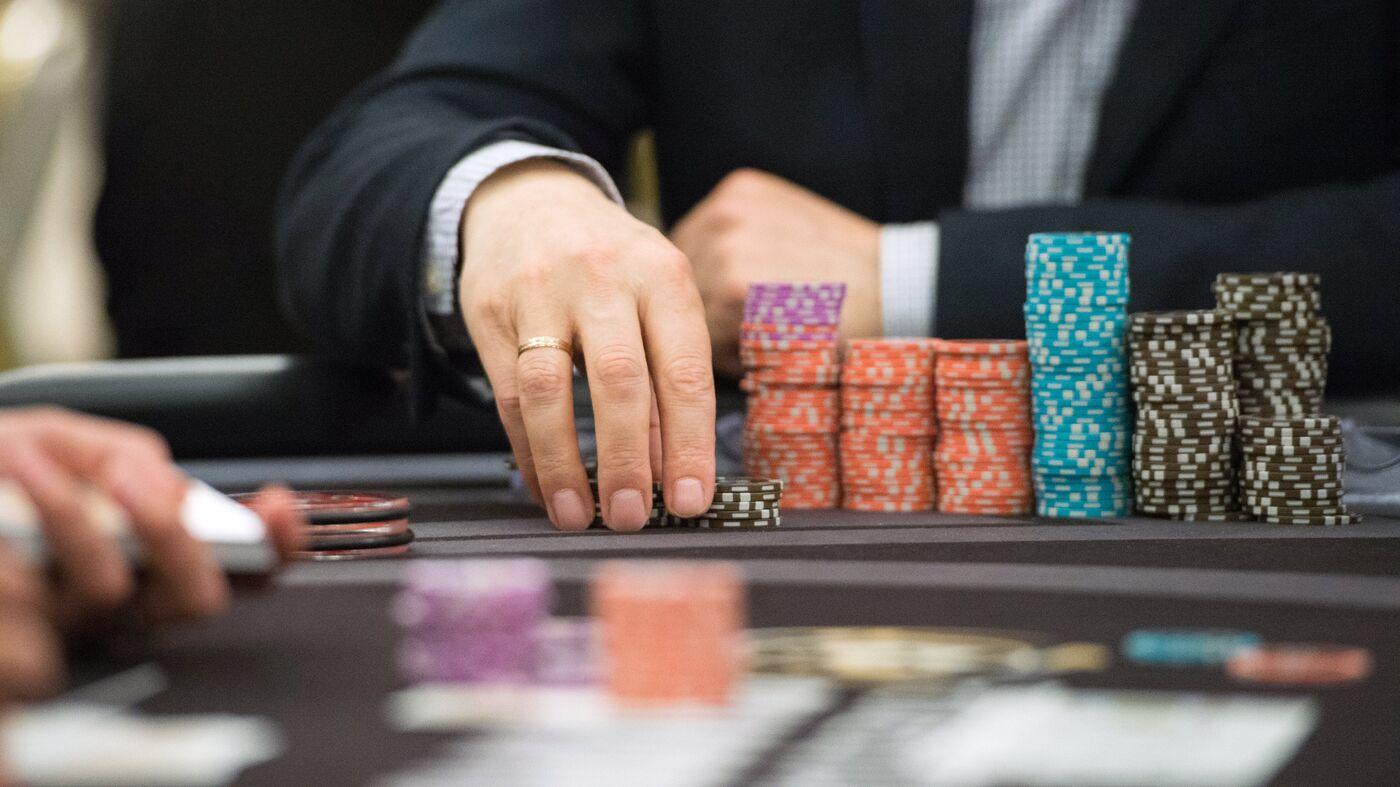 Новый закон о казино в россии игровые автоматы black pearl