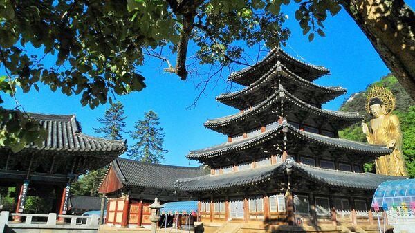 Буддийский горный монастырь Beopjusa в Южной Корее