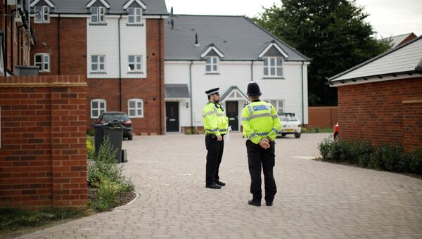 Полицейские в британском Эймсбери после госпитализации двух человек из-за отравления